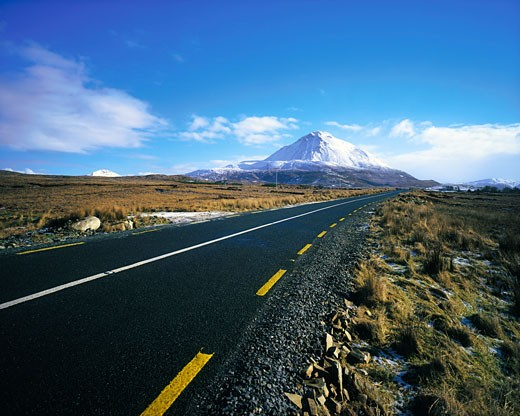 Rural Roads, Co Donegal, Mount Errigal : Stock Photo