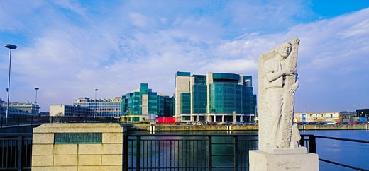 Stock Photo: 1812-2903 Dublin, The Financial Services Centre, Customs House Dock