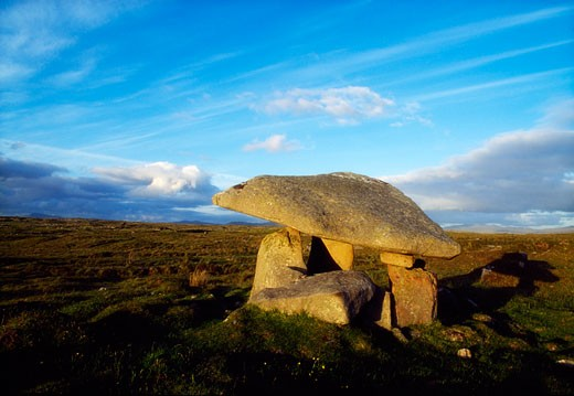 Stock Photo: 1812-3593 Celtic Archaeology, Dolmen Near Ardara, Co Donegal