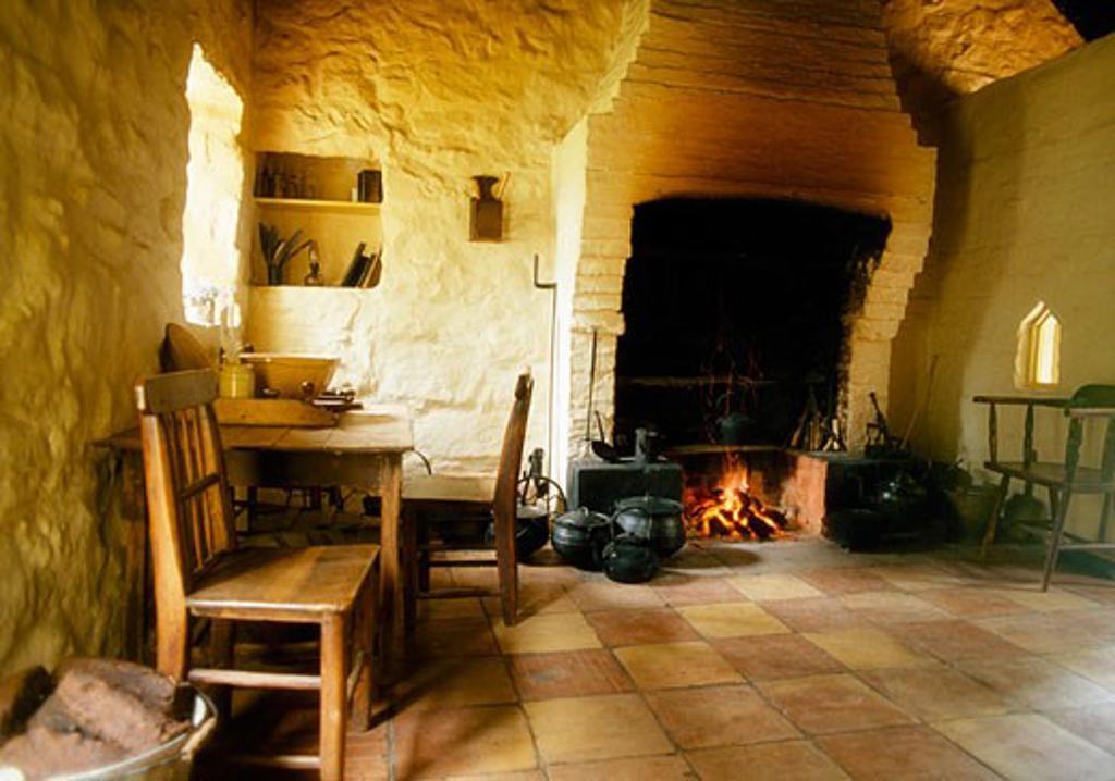 Stock Photo: 1812-3667 Cottage Details