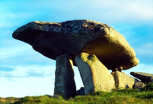 Stock Photo: 1812-3669 Celtic Archaeology, Dolmen Near Ardara, Co Donegal