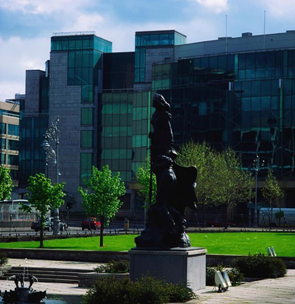 Stock Photo: 1812-4709 Dublin, Financial Service Centre, Custom House Docks