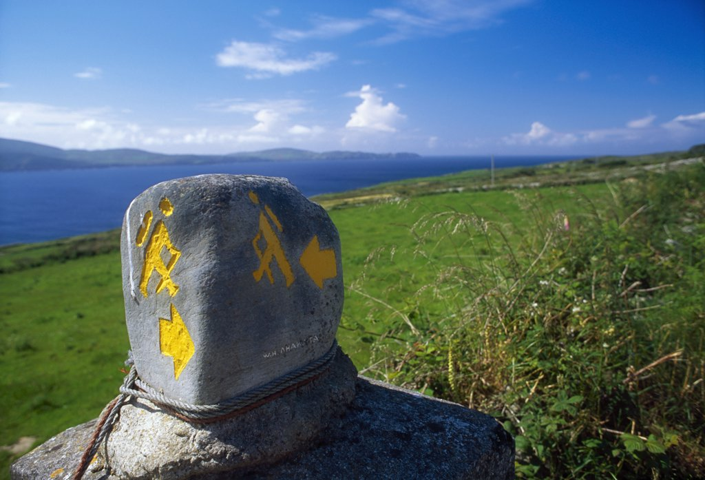 Stock Photo: 1812-5603 Sheep's Head Way, County Cork, Ireland; Way marking stone sign