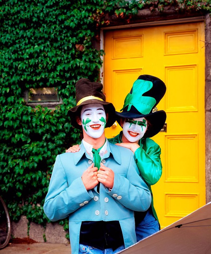 Stock Photo: 1812-6761 Face Painted Shamrocks, St Patrick´s Day, Dublin, Ireland