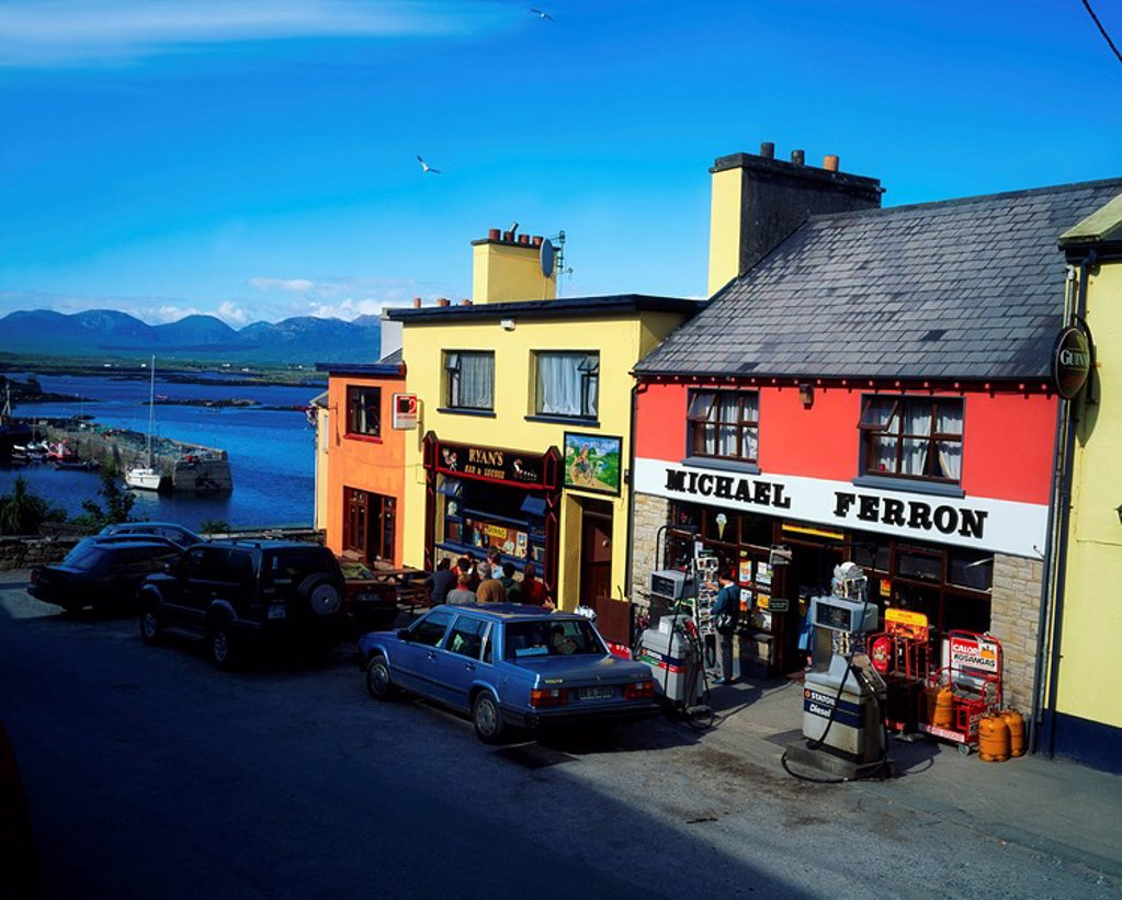 Stock Photo: 1812-6868 Roundstone Village, Connemara, Co Galway, Ireland