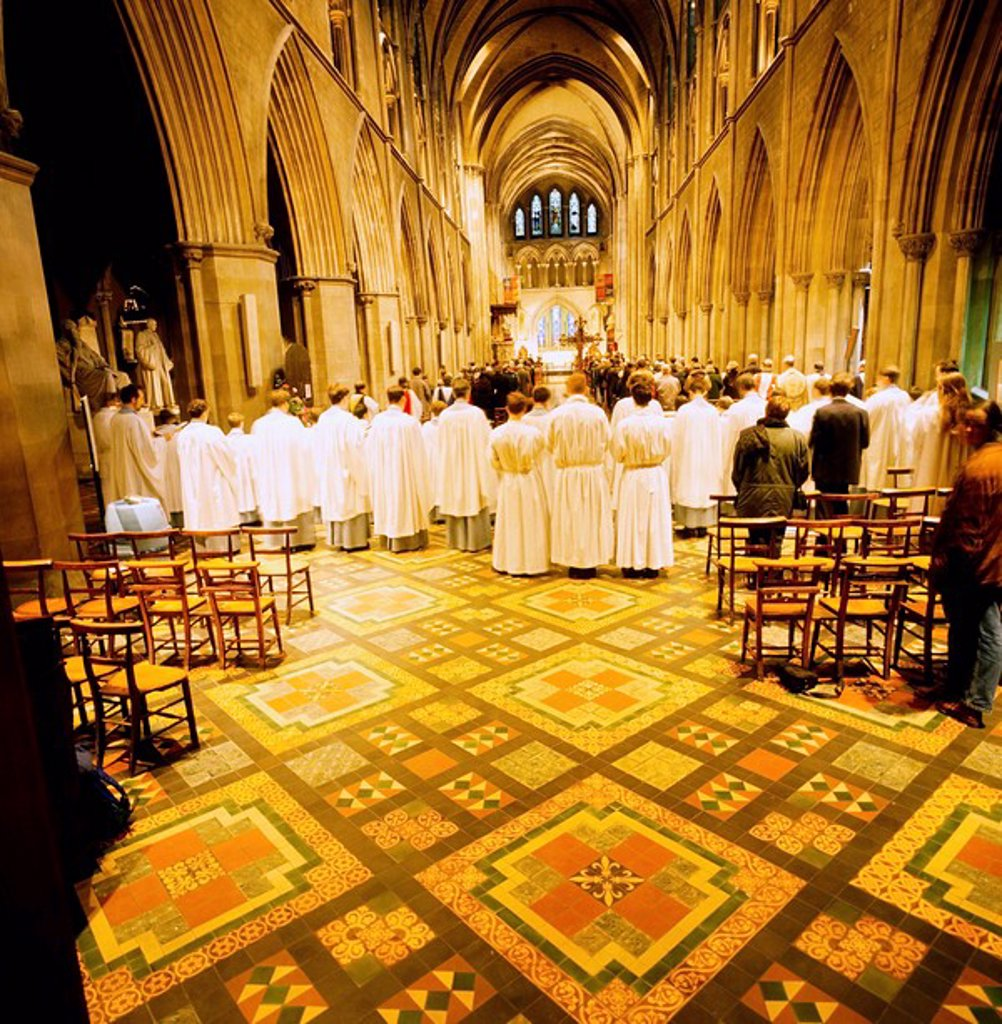 Stock Photo: 1812-8717 St. Patrick´s Cathedral, Co Dublin, Ireland, Cathedral interior with church goers and choir