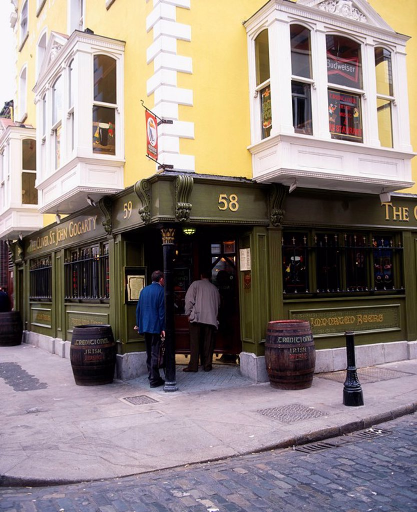 Stock Photo: 1812-9013 Oliver St. John Gogartys, Temple Bar, Dublin, Co Dublin, Ireland, Traditional Irish Pub