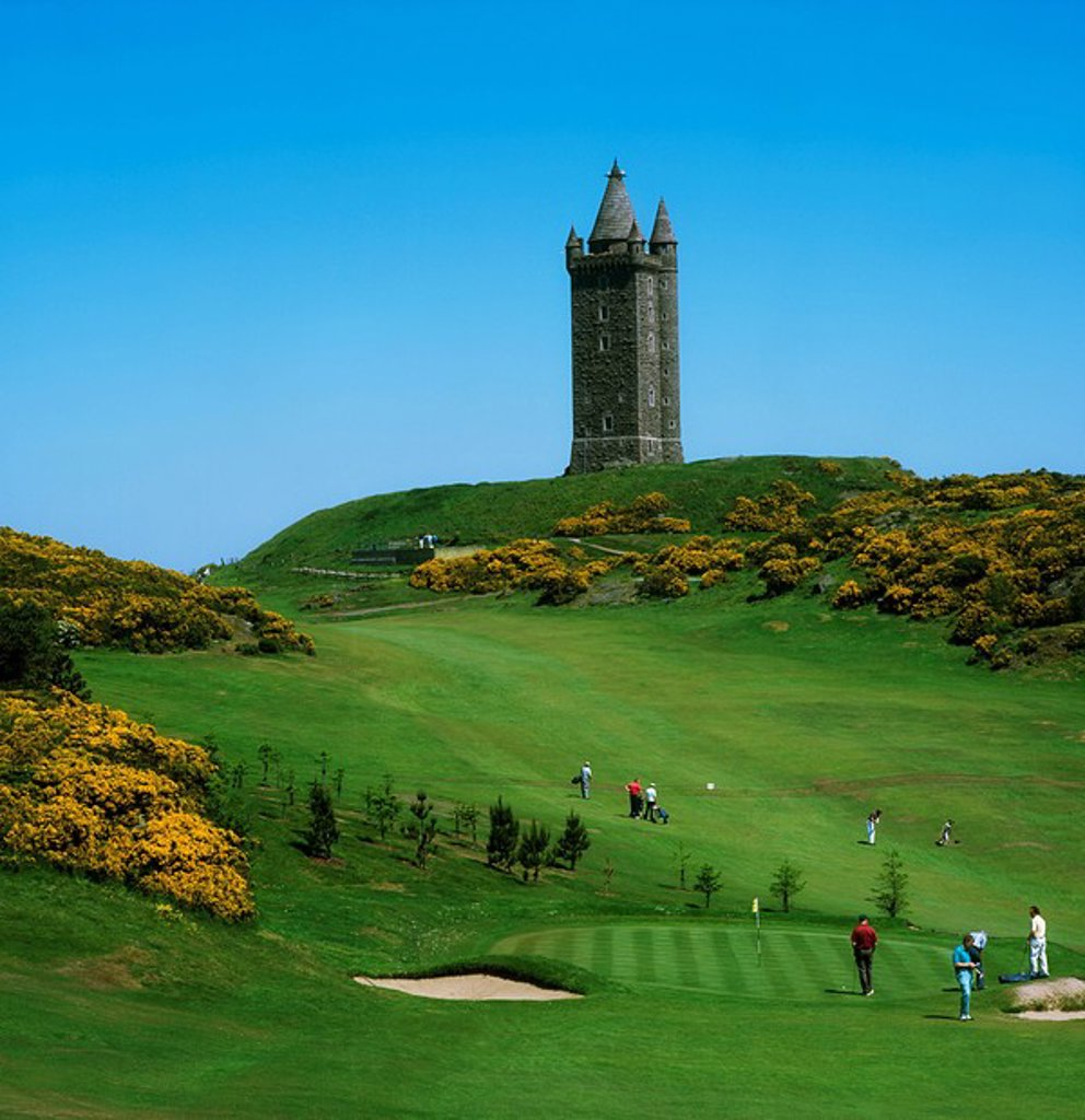 Scrabo Golf Club, Newtownards, Co Down, Ireland, Scrabo Tower overlooking a golf club : Stock Photo
