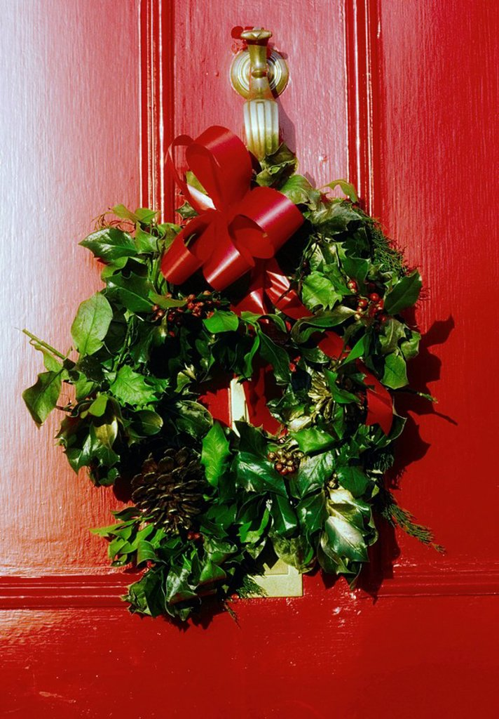 Stock Photo: 1812-9588 Wreath on Georgian Door, Christmas decoration