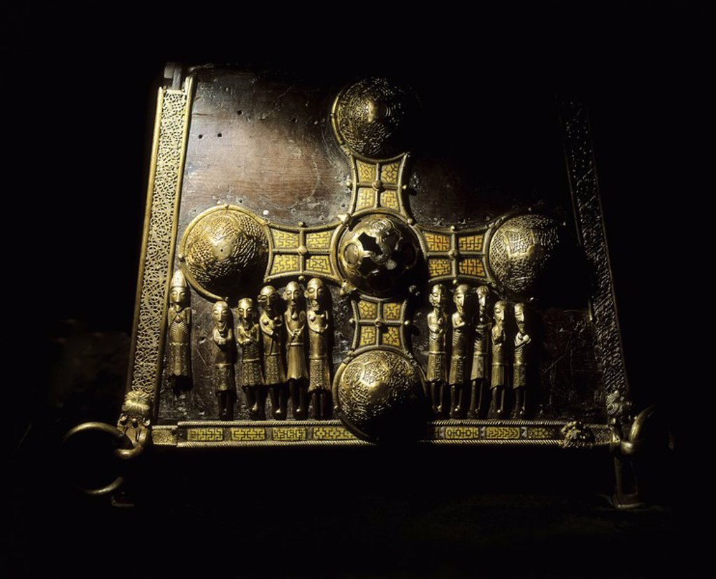 Stock Photo: 1812R-12967 St  Manchan´s Shrine, Boher Near Clonmacnoise, County Offaly, Ireland
