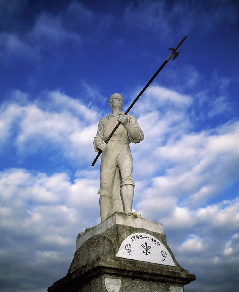 Stock Photo: 1812R-13016 The Pikeman statue in Ballinamuck, County Longford, Ireland