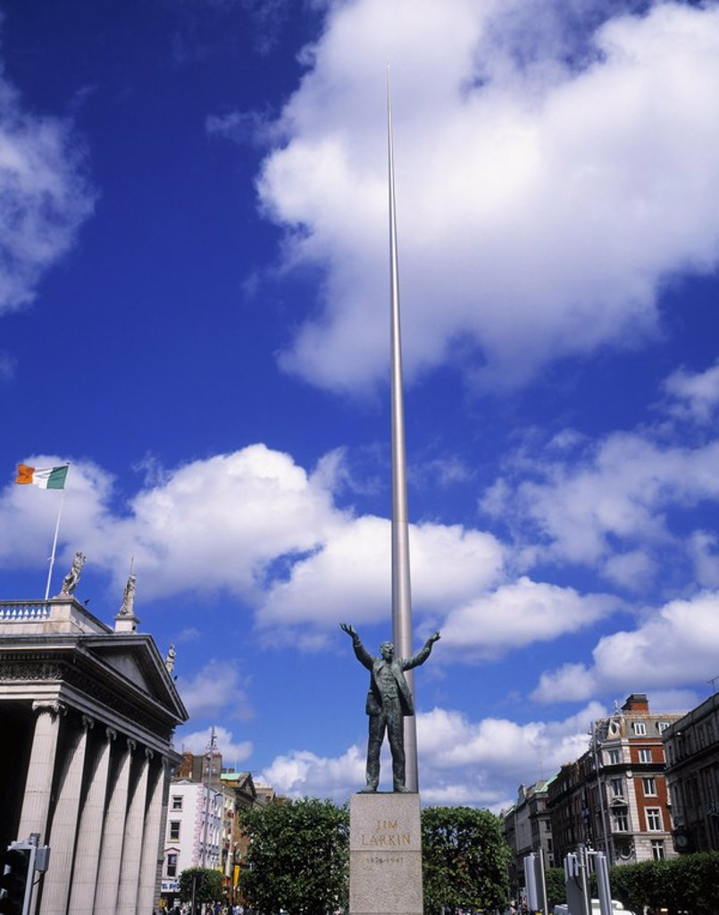 Stock Photo: 1812R-13025 Sculpture of Jim Larkin and the Spire of Dublin in O´Connell Street, Dublin, Ireland