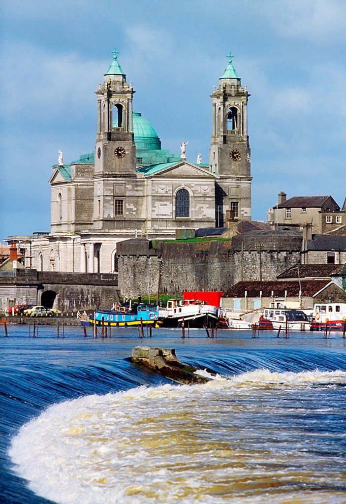 Stock Photo: 1812R-14197 Athlone, St Peter and Paul´s Church and the River Shannon, Co Westmeath, Ireland