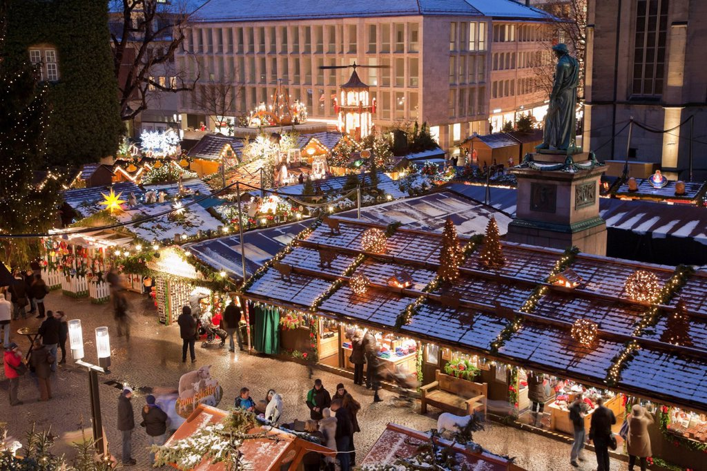 Germany, Baden Wuerttemberg, Stuttgart, People at christmas market : Stock Photo