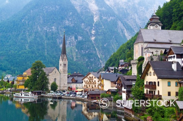 Stock Photo: 1815-110011 Austria, Upper Austria, Hallstatt, View of village