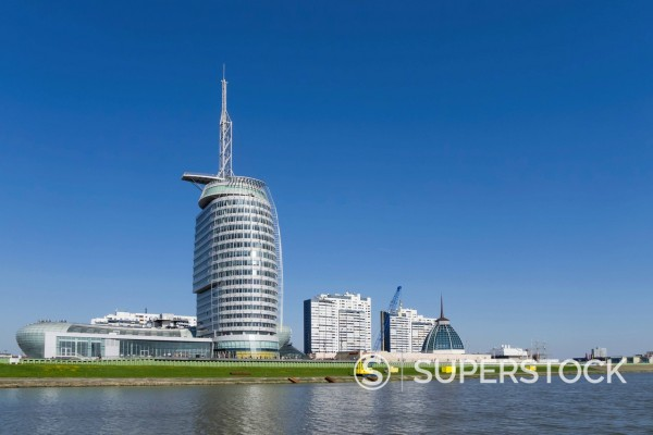 Stock Photo: 1815-110183 Germany, Bremerhaven, View of high rise