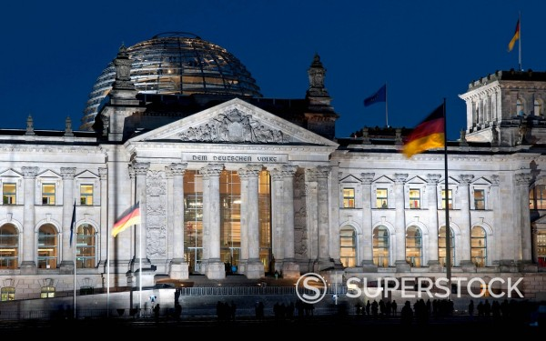 Stock Photo: 1815-123567 Germany, Berlin, View of Reichstag building at night