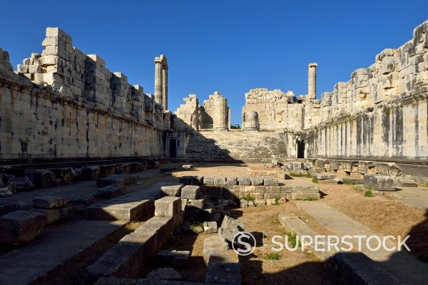 Stock Photo: 1815-150331 Turkey, Aydin, Ionia, View of Apollon temple at archaeological site of Didyma
