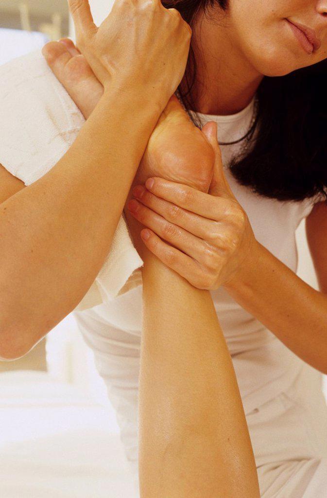 Stock Photo: 1815-49304 Foot massage