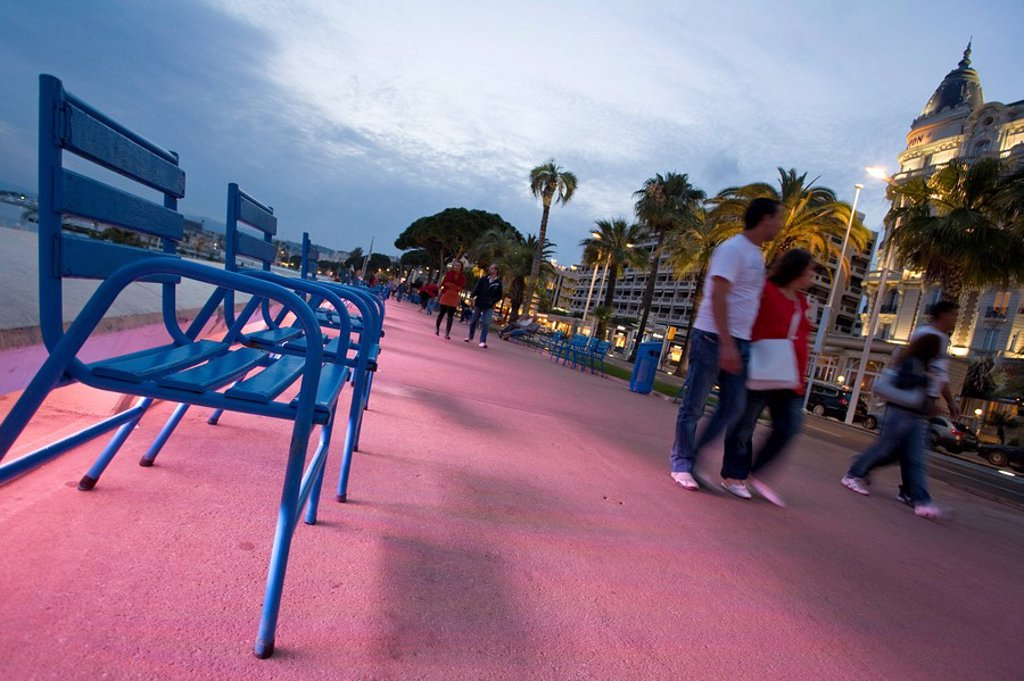 Stock Photo: 1815-49616 France, Cote d´Azur, Cannes, Boulevard de la Croisette in the evenings