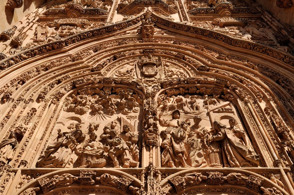 Stock Photo: 1815-88549 Europe, Spain, Castile and Leon, Salamanca, View of portal of gothic cathedral