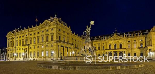 Stock Photo: 1815-98546 Germany, Bavaria, Wuerzburg, View of Wuerzburg Residence at night