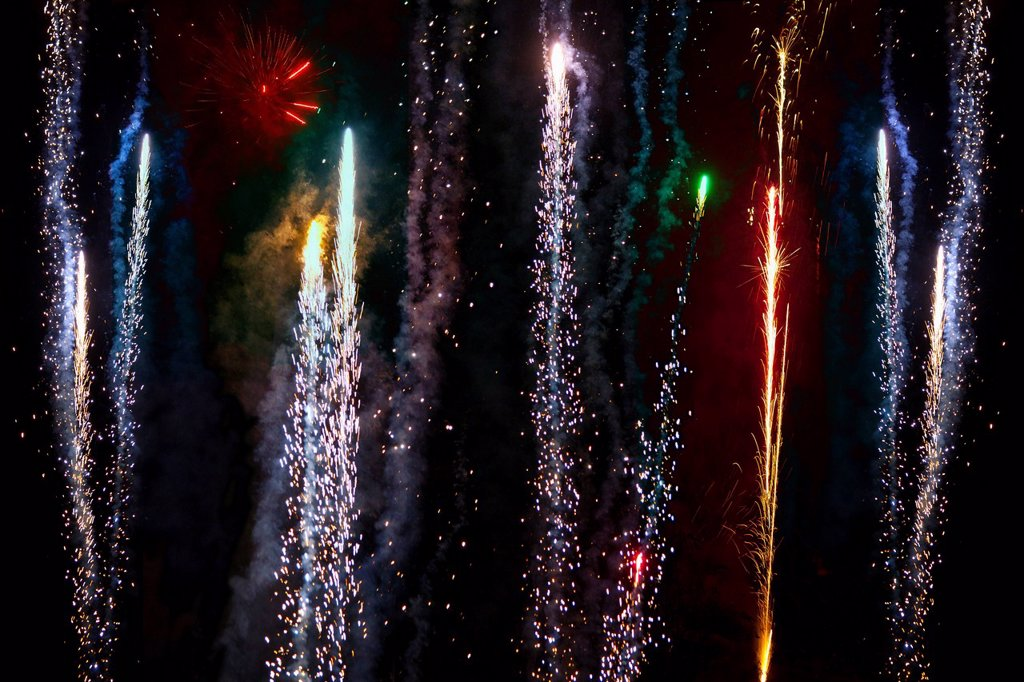 Stock Photo: 1815R-102083 Germany, Bavaria, Wuerzburg, Firework display in night sky