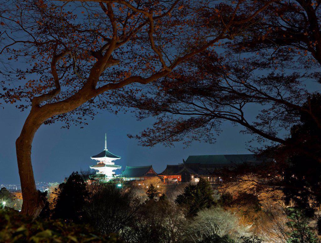 Stock Photo: 1815R-103182 Japan, Kyoto, Pagoda of Kiyomizu dera Temple at night with city