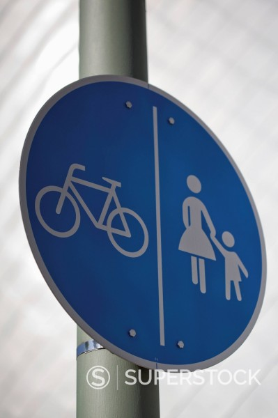 Germany, North Westphalia, Neuss, Bicycle lane and crossing sign, close up : Stock Photo