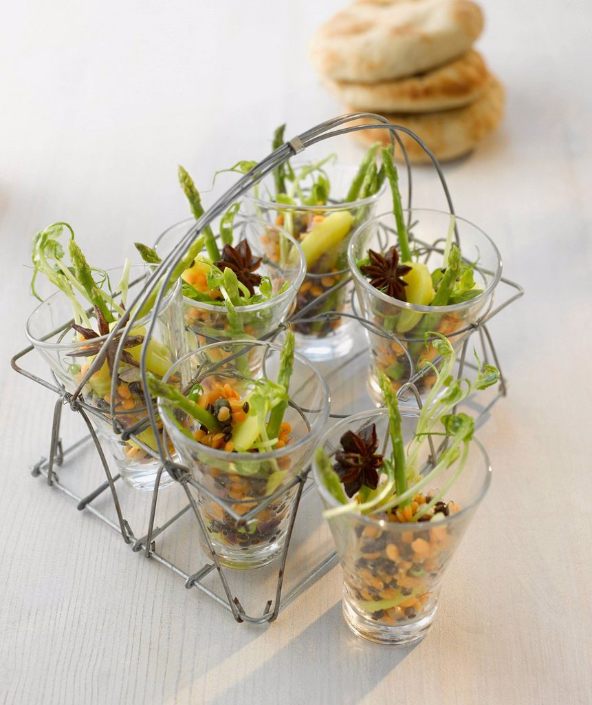 Stock Photo: 1815R-109102 Amuse gueule, lentil salad with asparagus in glass