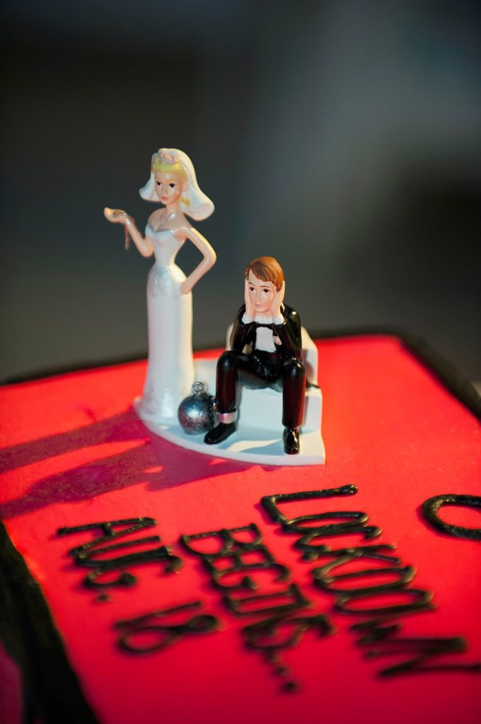 USA, Texas, Close up of humurous wedding cake : Stock Photo