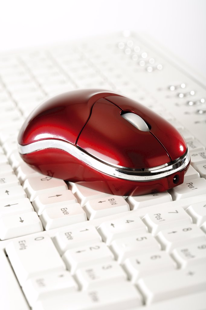 Mouse on keyboard, close-up : Stock Photo