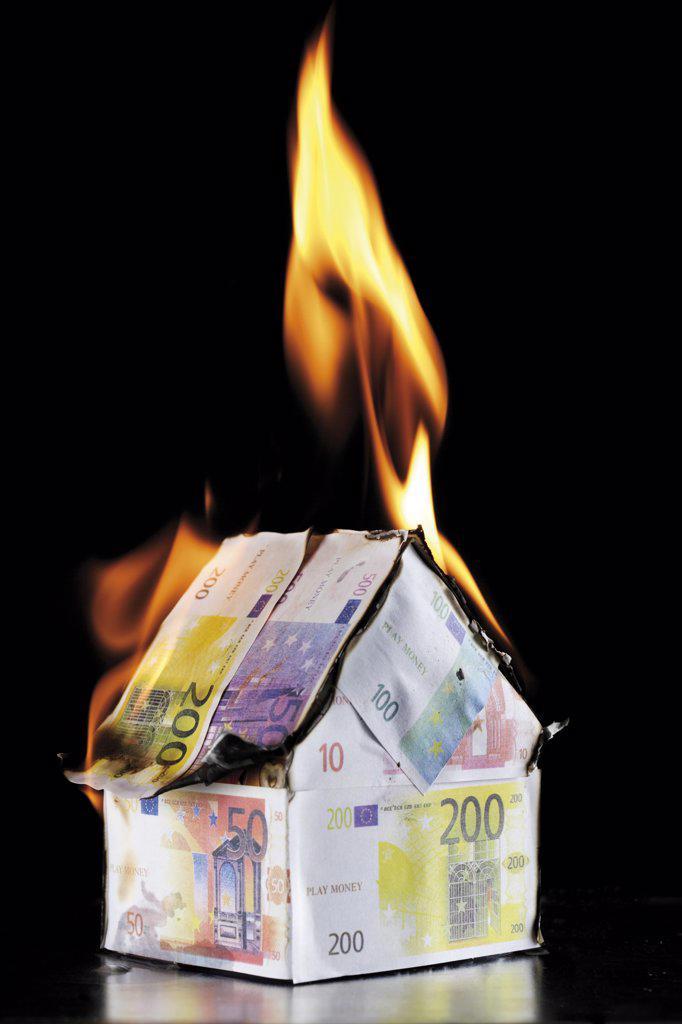 Stock Photo: 1815R-13461 Single house of Euro notes