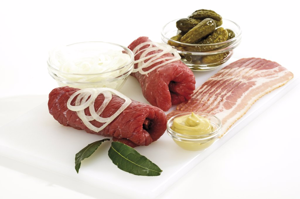 Roulades with bay leaves and onion rings : Stock Photo