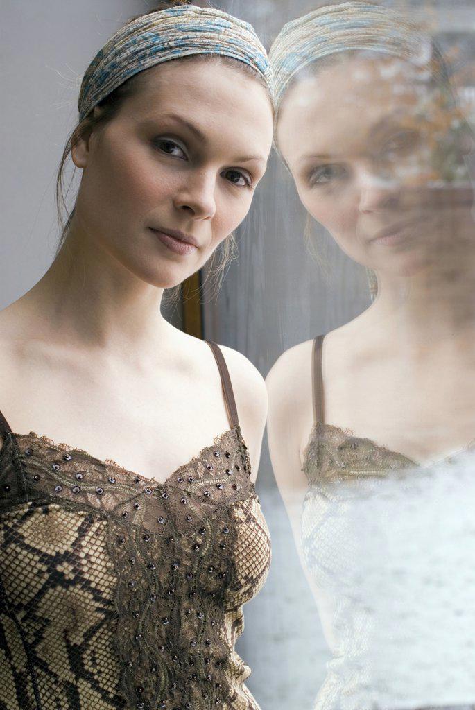 Portrait of female dancer : Stock Photo