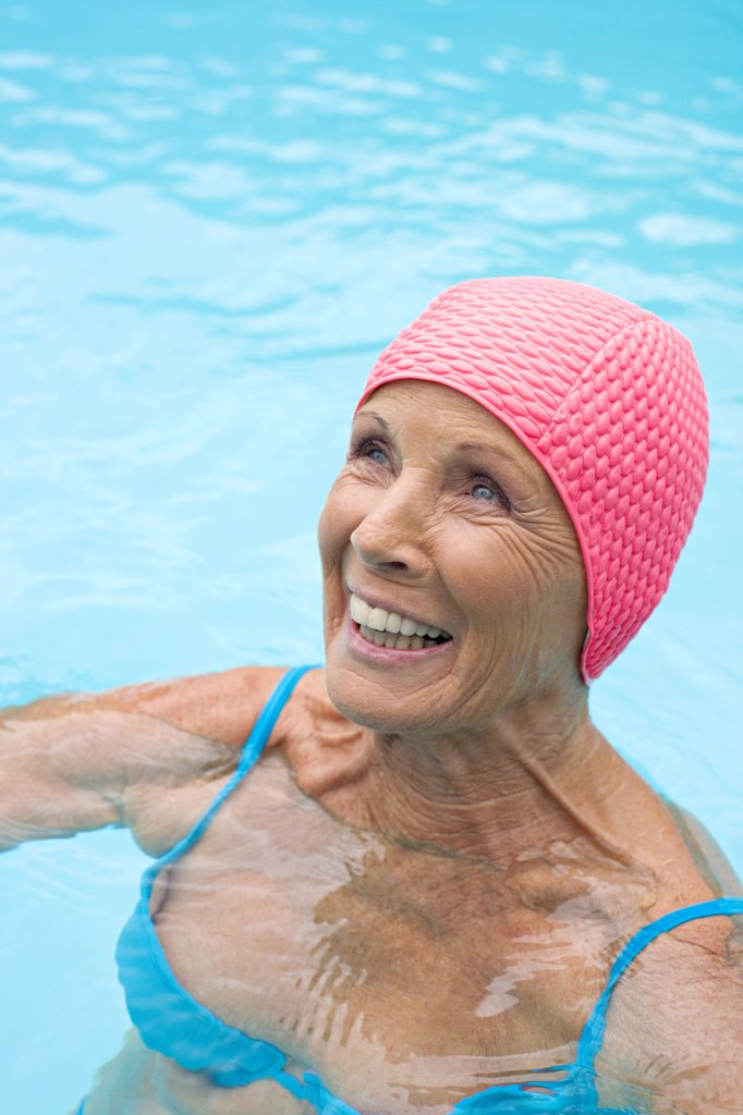 Germany, senior woman in pool : Stock Photo