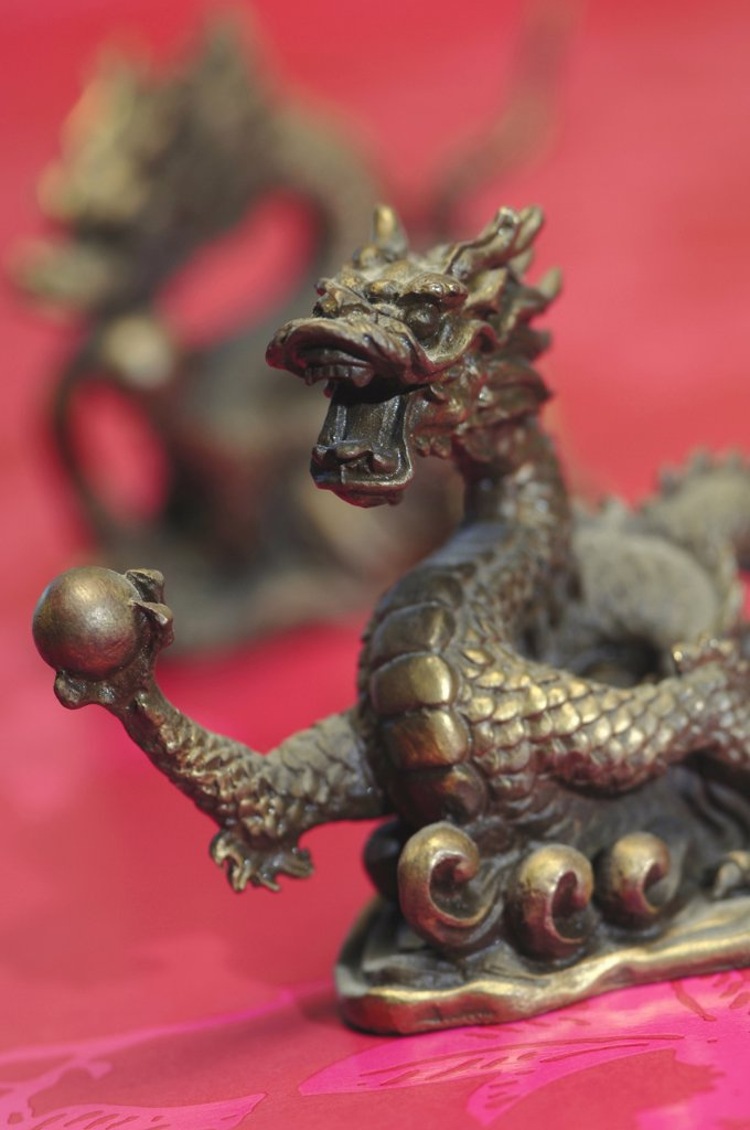 Dragon statue, close-up : Stock Photo