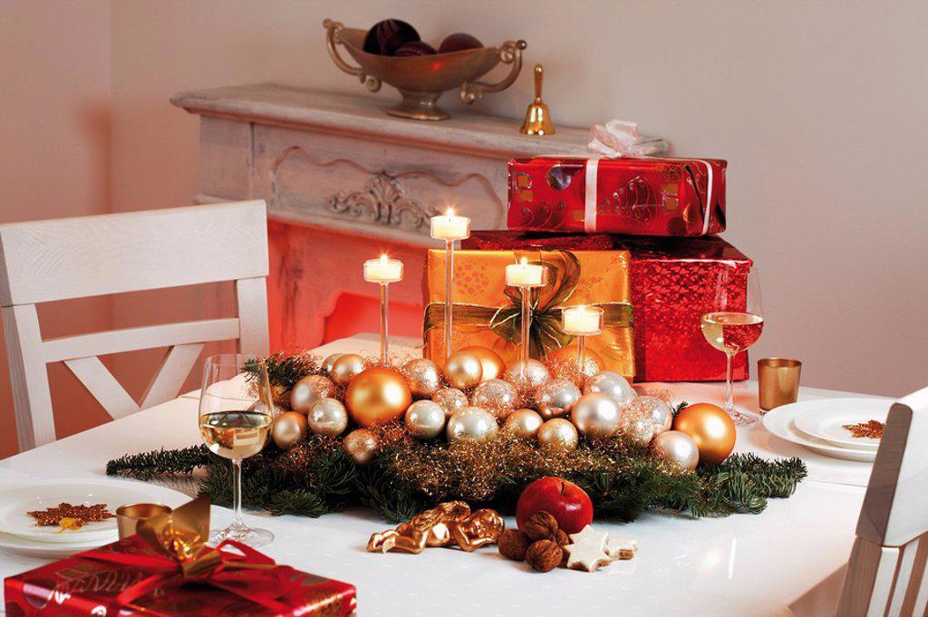 Stock Photo: 1815R-52293 Christmas table decoration and christmas presents