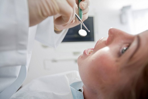 Stock Photo: 1815R-54565 Germany, Bavaria, Landsberg, Woman in dental surgery, portrait