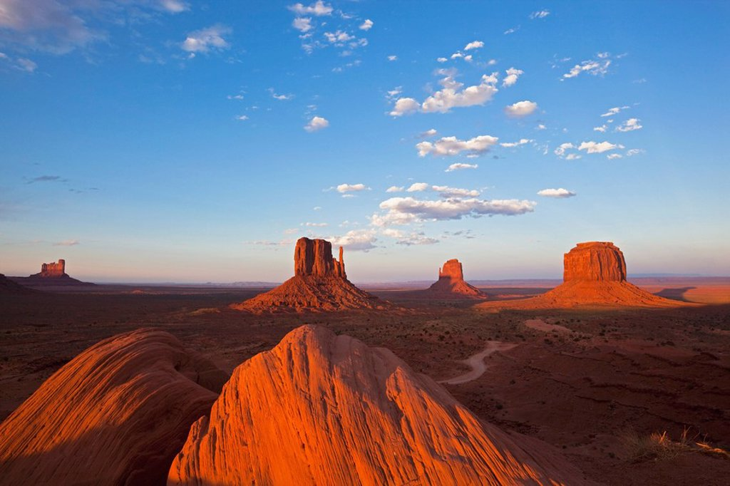 USA, Arizona, Monument Valley Tribal Park, West Mitten Butte : Stock Photo