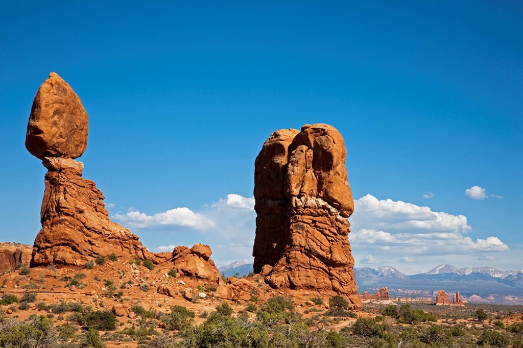 Stock Photo: 1815R-55464 USA, Utah, Arches National Park, Balanced Rock, Rock formation
