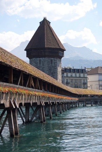 Stock Photo: 1815R-59243 Switzerland, Lucerne, River Reuss with Chapel Bridge and Water Tower