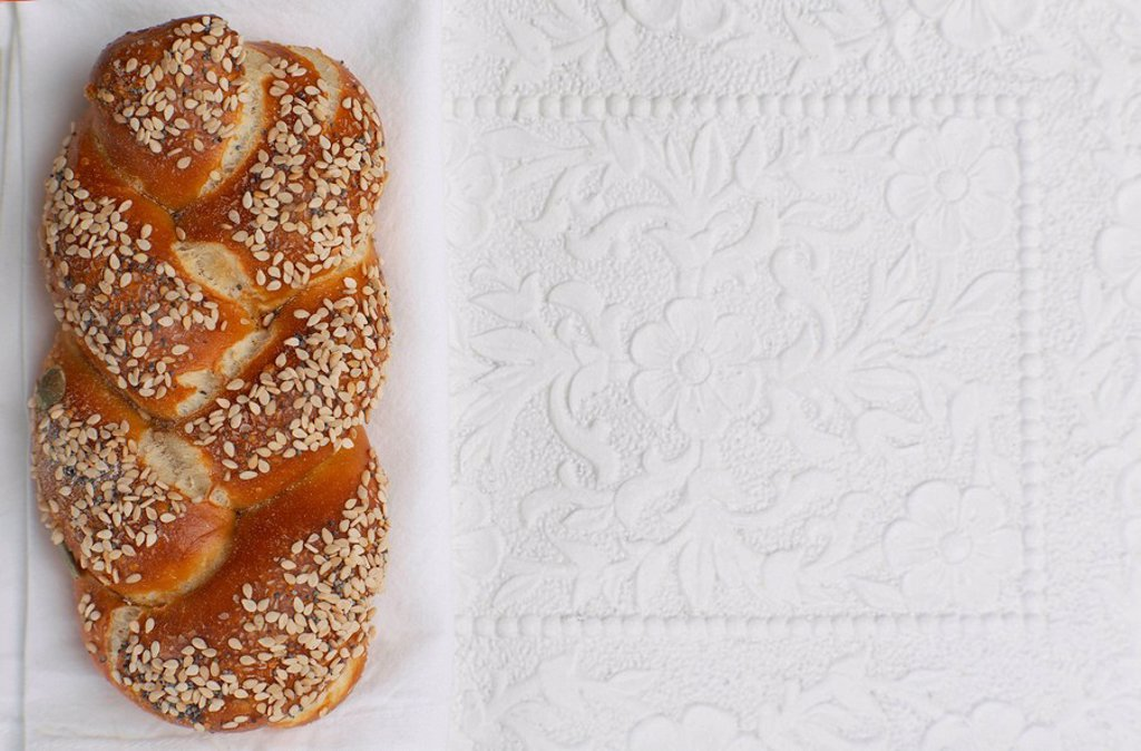 Stock Photo: 1815R-60996 Pretzel roll, elevated view