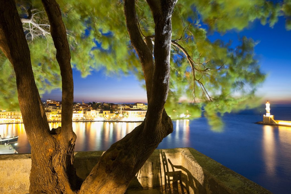 Stock Photo: 1815R-68445 Greece, Crete, Chania, View of tree with city in background