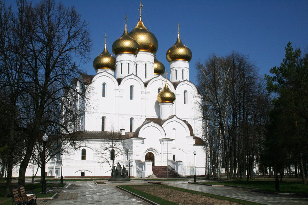 Stock Photo: 1818R-402 Russia, Yaroslavl, New cathedral