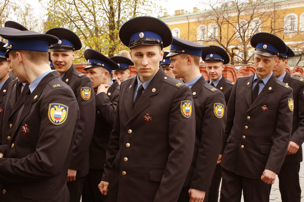 Stock Photo: 1818R-429 Russia, Moscow, Kremlin, Army recruits