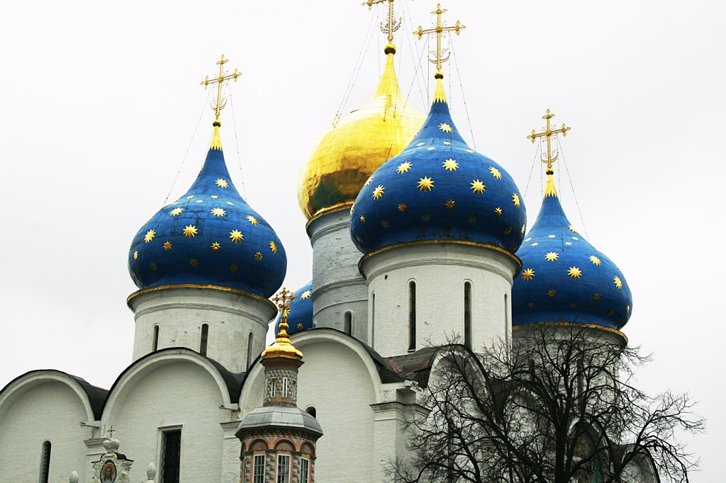 Stock Photo: 1818R-433 Russia, Sergiyev Posad, Trinity Monastery of St. Sergius, Domes of Cathedral of Assumption