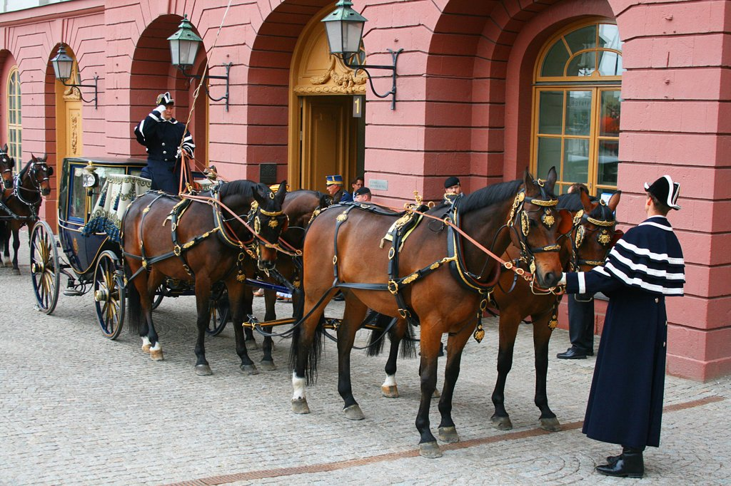 Stock Photo: 1818R-438 Sweden, Stockholm, Royal Swedish state carriage and guards waiting to bear African diplomats to palace