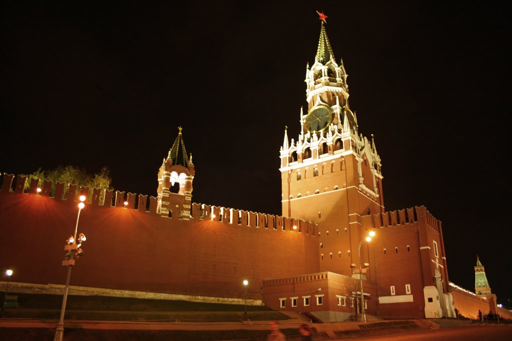 """Russia, Moscow, Red Square, Kremlin walls and """"Savior's Gate"""" : Stock Photo"""