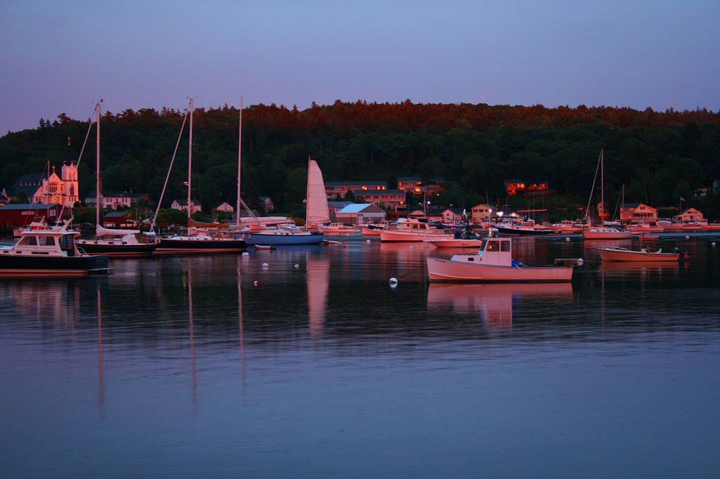Stock Photo: 1818R-469 USA, Maine, Boothbay Harbor at sunset